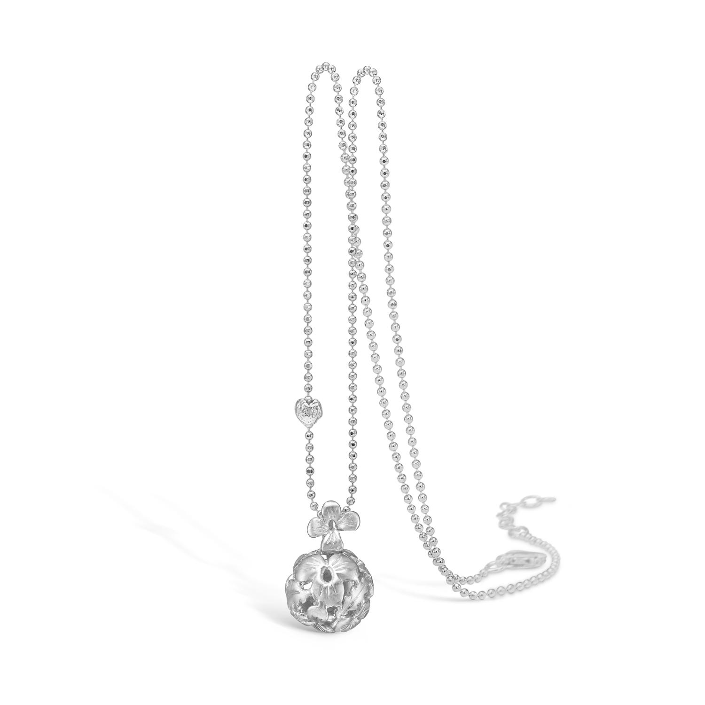 Image of   BLOSSOM lang sølv halskæde med blomster kuglevedhæng, 80 cm