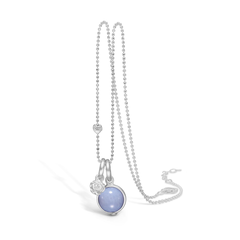 Image of   Blossom sølv halskæde med lyseblå agat og lille blomst, 80 cm