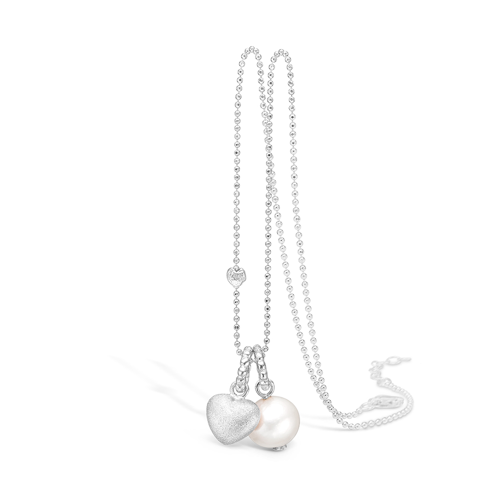 Image of   Blossom sølv halskæde med perle og mat hjerte vedhæng rhod. 80 cm