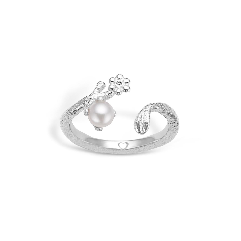 Image of   Blossom sølv ring med hvid perle og blomst