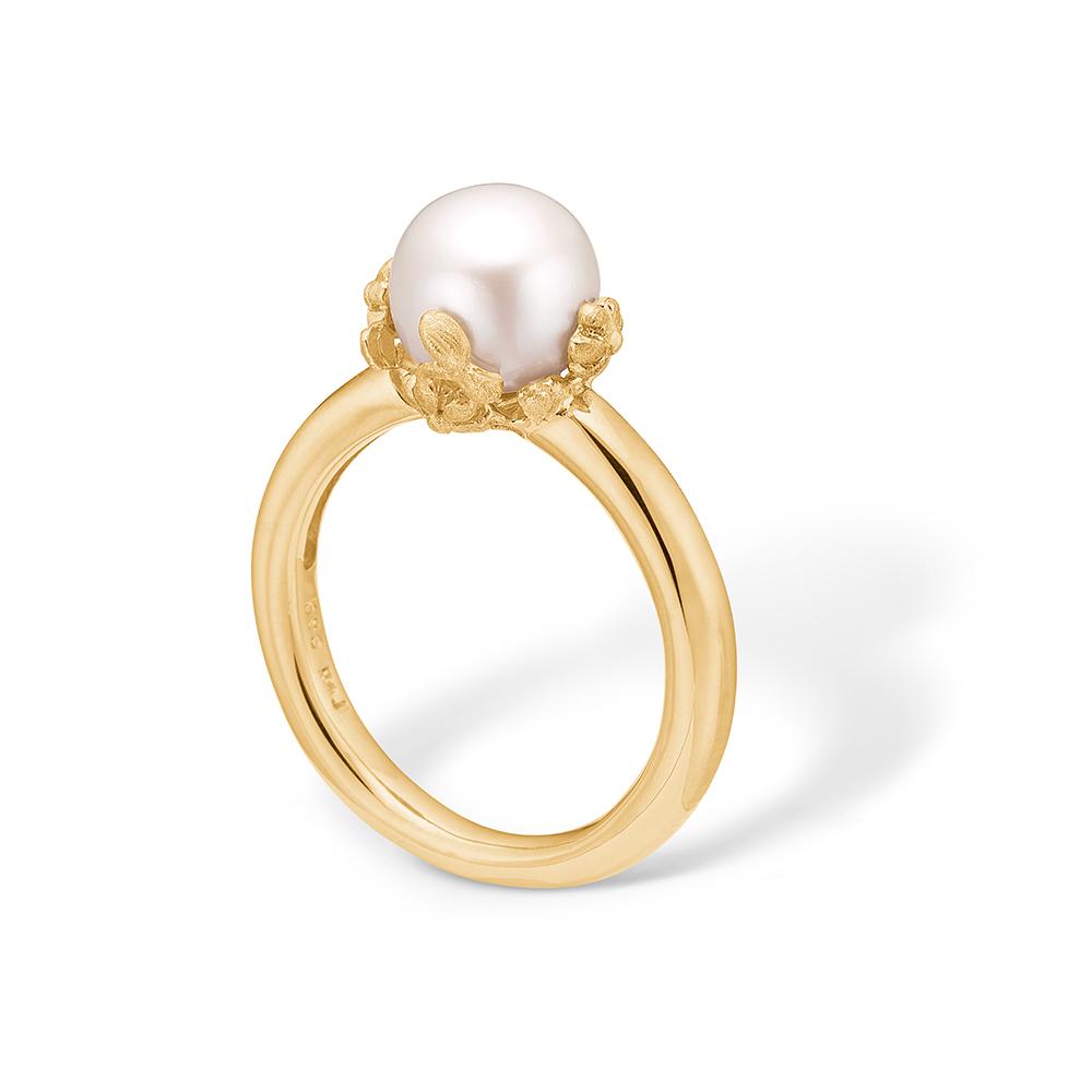 Image of   Blossom forgyldt ring med lille hvid perle