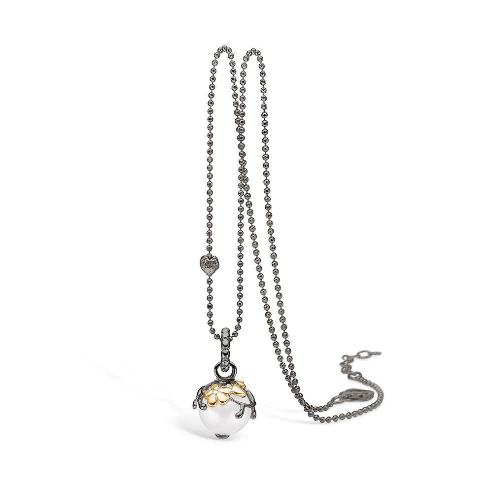 Image of   Blossom sølv sort rhodineret perle vedhæng, brill 0,01ct