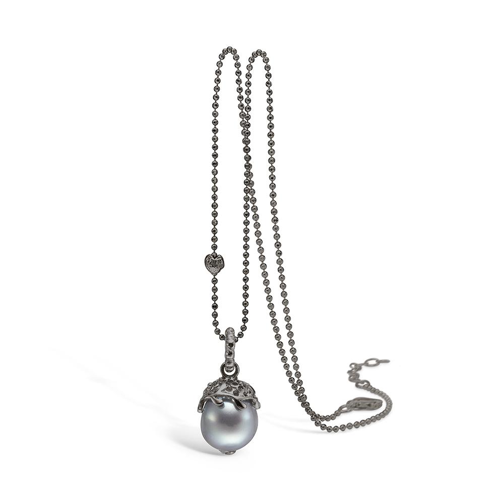 Image of   Blossom sølv sort rhodineret grå perle vedhæng, 80 cm