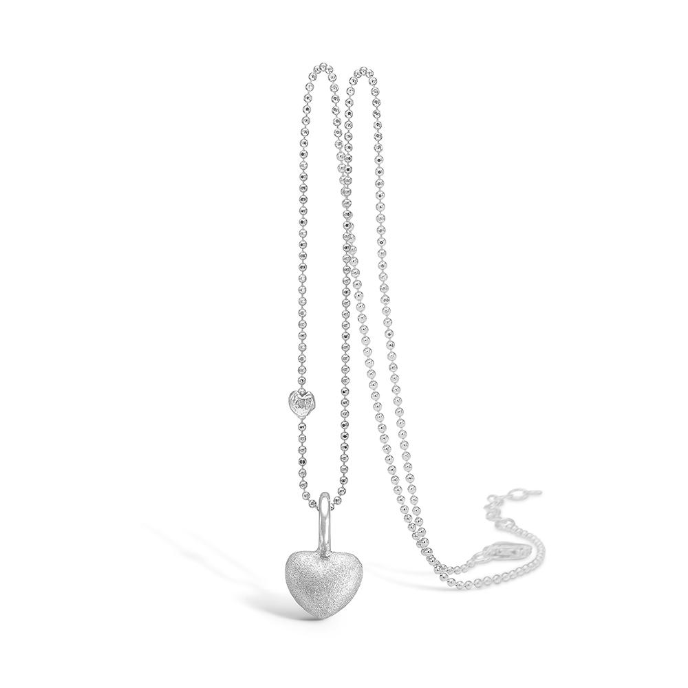 Blossom 14 kt hvidguld hjerte vedhæng med sølv halskæde, 45 cm