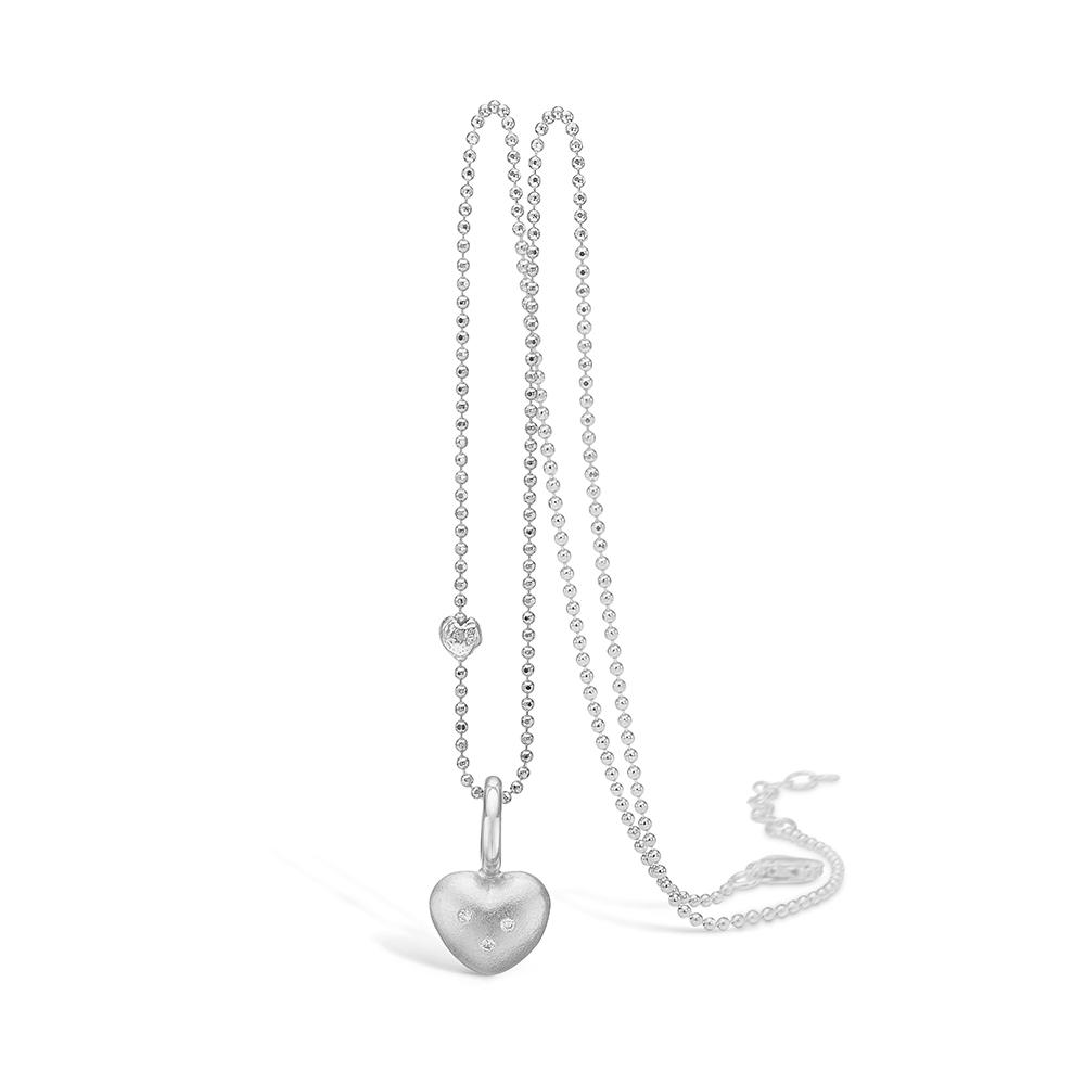 Image of   Blossom 14 kt hvidguld hjerte vedhæng med 3 stk brill på i alt 0,03ct, sølv halskæde 45 cm