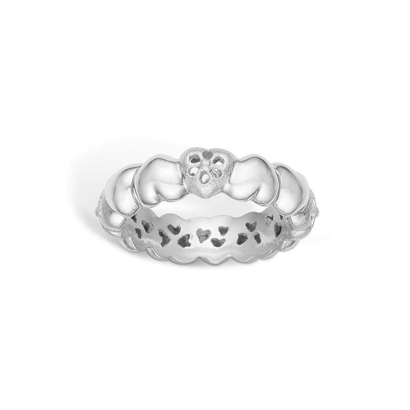 Image of   Blossom ring i 14 kt hvidguld med hjerter