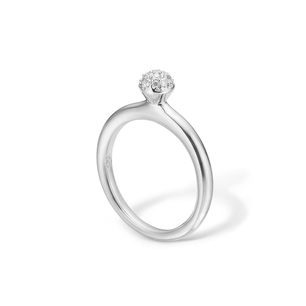 Image of   Blossom ring i 14 kt hvidguld med 17 diamanter