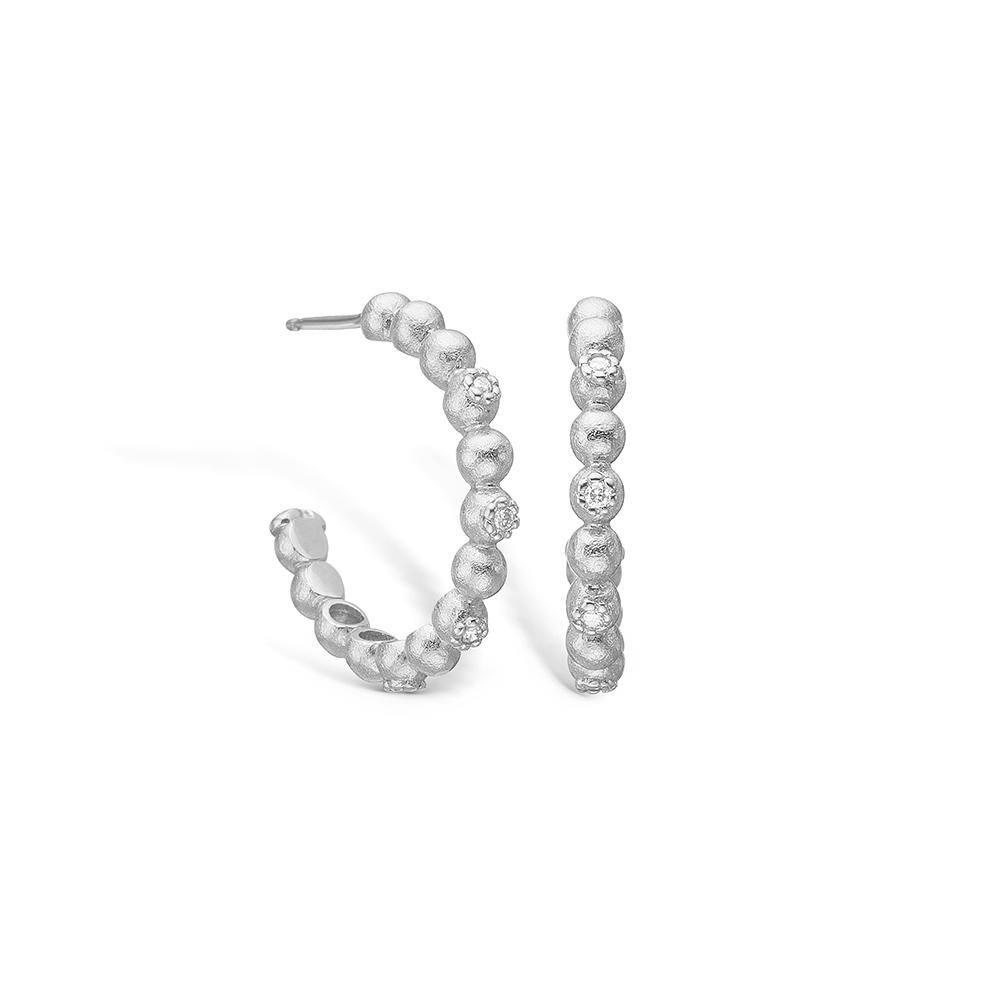 Image of   Blossom 14 kt. hvidguld øreringe med 8 diamater i alt 0,08 ct, mat hamret