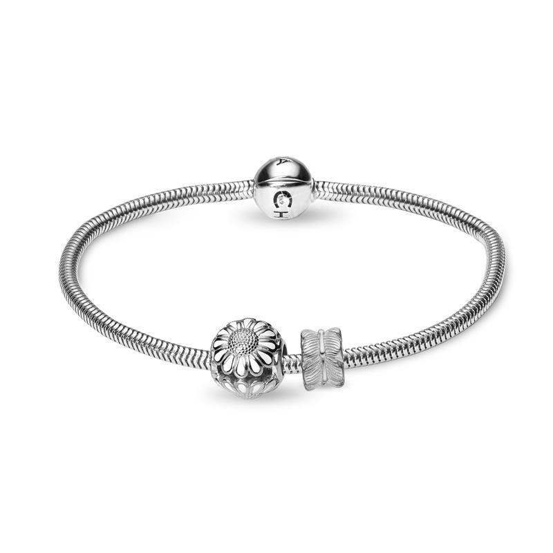 Image of   Christina Jewelry armbånd i sølv med marguerit og blad charm