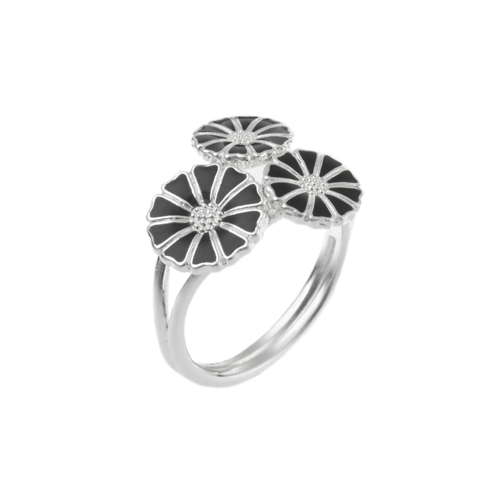 Lund Copenhagen Marguerit Ring, 3 blomster i sølv med sort emalje