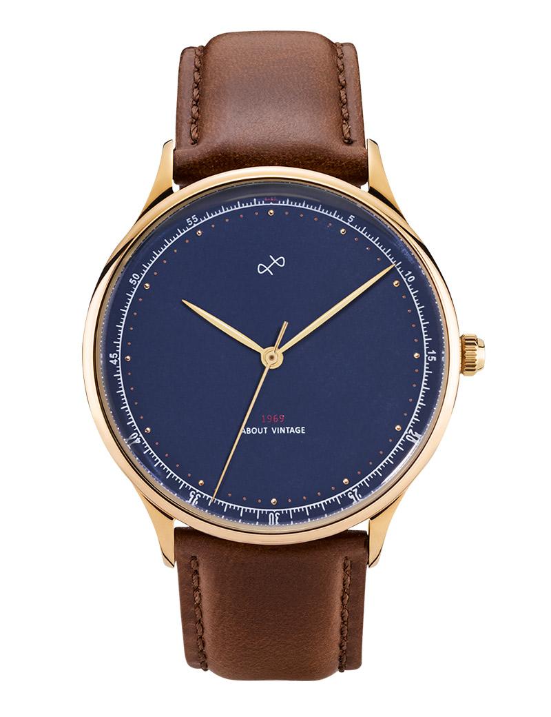 Image of   ABOUT VINTAGE 1969 armbåndsur Ø 39 mm i guldfarvet stål med blå skive og brun læderrem
