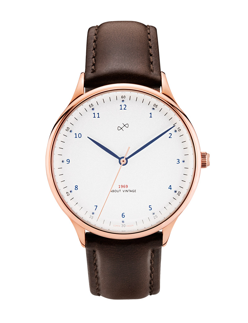 Image of   ABOUT VINTAGE 1969 armbåndsur Ø 36 mm i rosa stål med hvid skive og brun læderrem