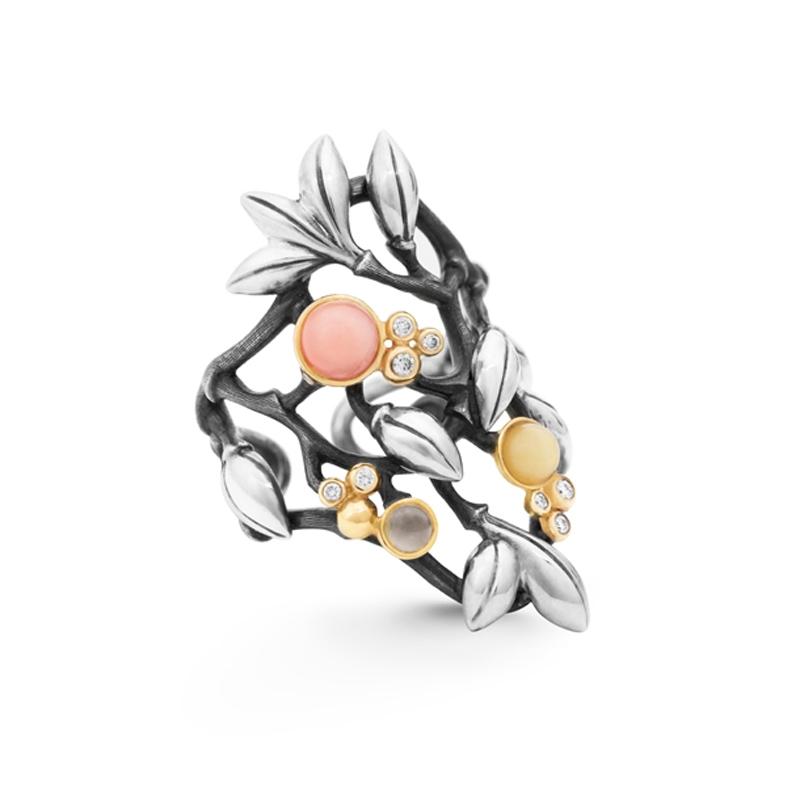 Ole Lynggaard Forest ring i sølv med rosa koral, grå månesten og rav