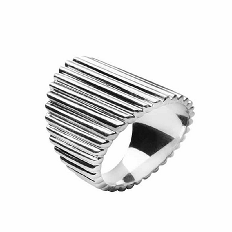 Von Lotzbeck Deco ring i blank sølv