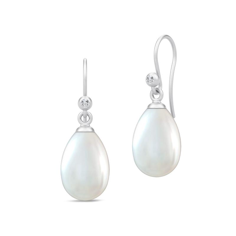 Julie Sandlau Perla ørehængere i sølv med hvide perler
