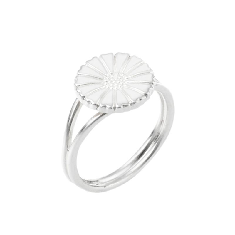 Lund Copenhagen Marguerit Ring sølv med hvid emalje, 11 mm