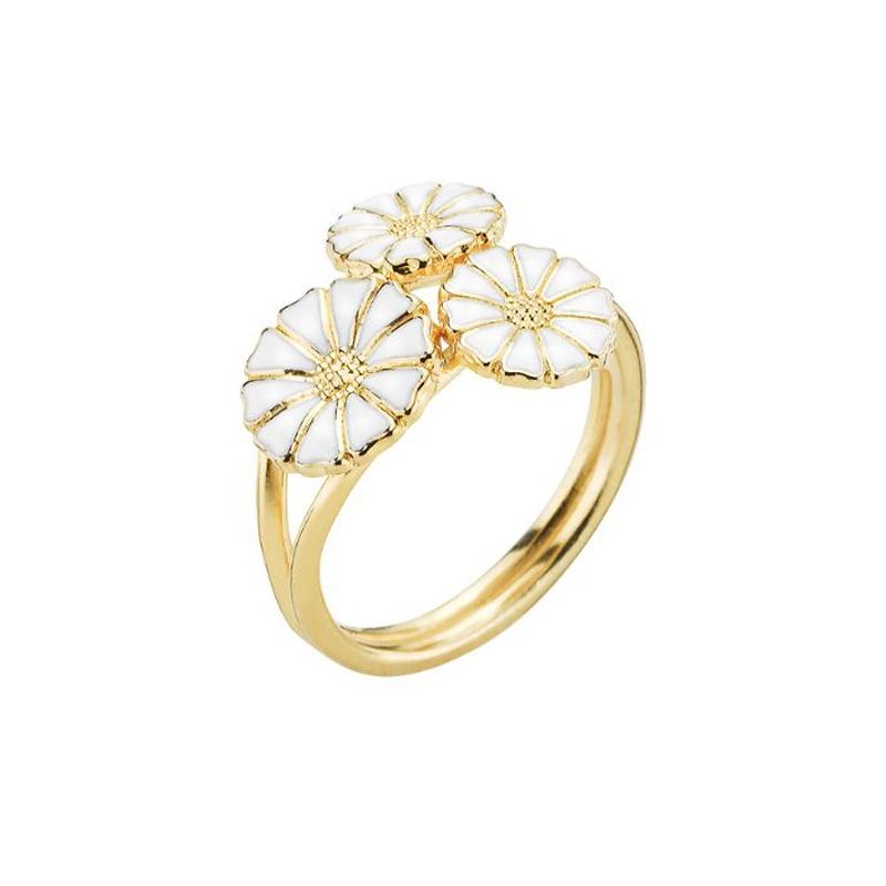 Lund Copenhagen Marguerit Ring, 3 blomster forgyldt med hvid emalje