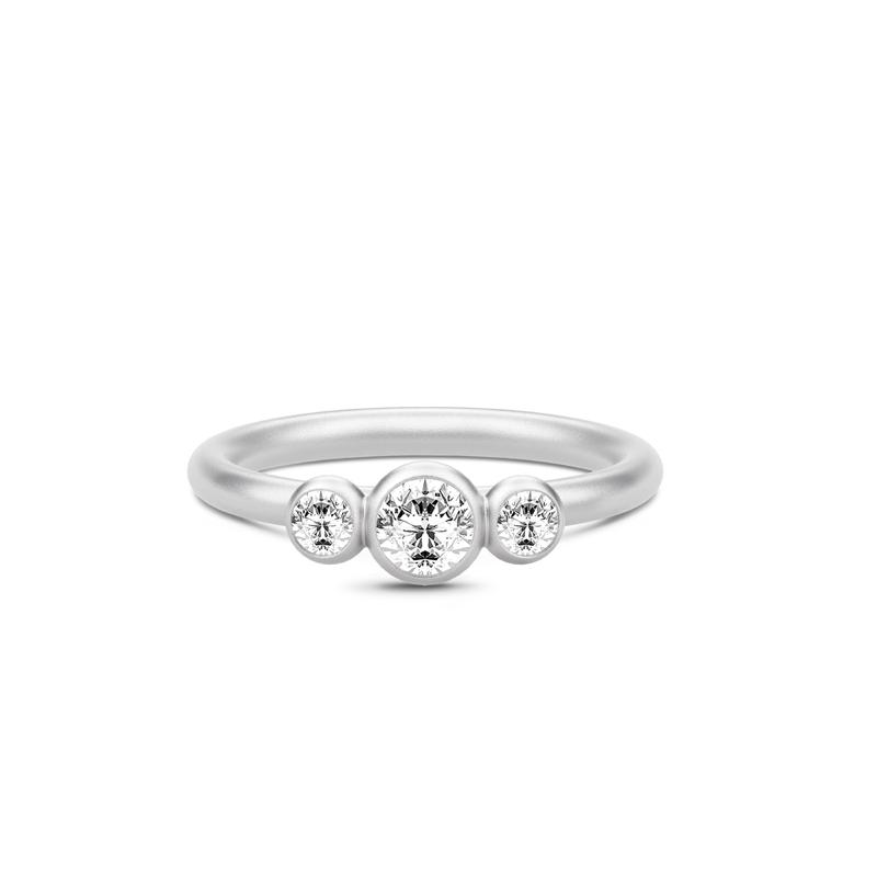 Julie Sandlau Fina sølv ring med zirkoner